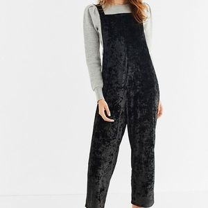 Urban outfitters shapeless velvet overall small